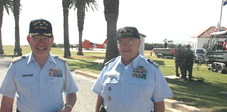 Captain J.Kip Louttit and Auxiliarist Lighthouse Keeper Eric Castrobran at Wahle of a Day 2007